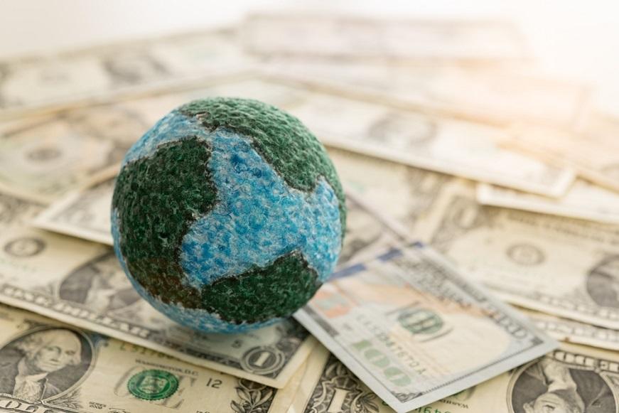 思い込みで損をする?投資の海外恐怖症から抜け出そう 低金利が続く日本の方が高リスク!?